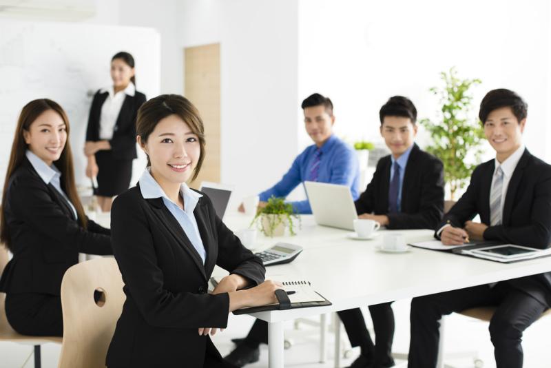 若いビジネスマンたち