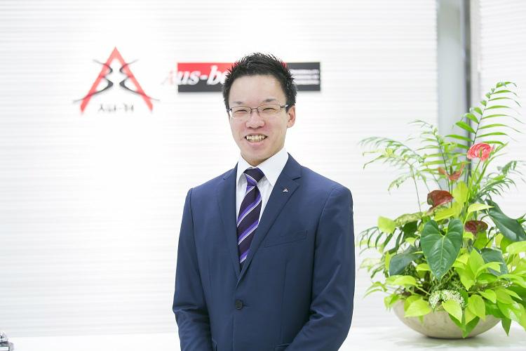 株式会社オースビーに2011年4月に新卒で入社したビジネスエンジニアリング本部の浦屋様