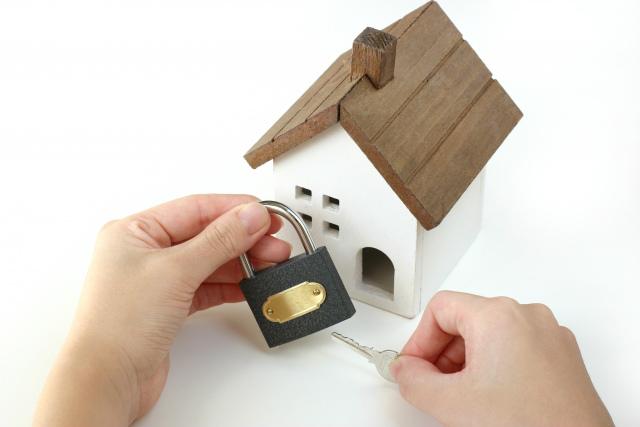 家に鍵をかける人